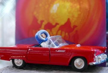 Der Fahrer des Cabriolets wird gebeten die Musik lauter zu stellen